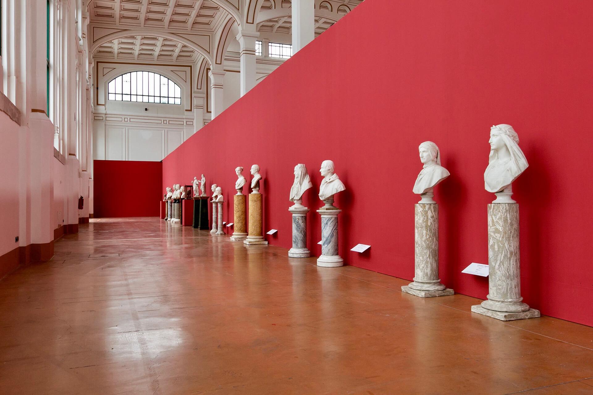 Allestimenti Grafox - Musei e Mostre - Le stanze segrete di Vittorio Sgarbi- Trieste