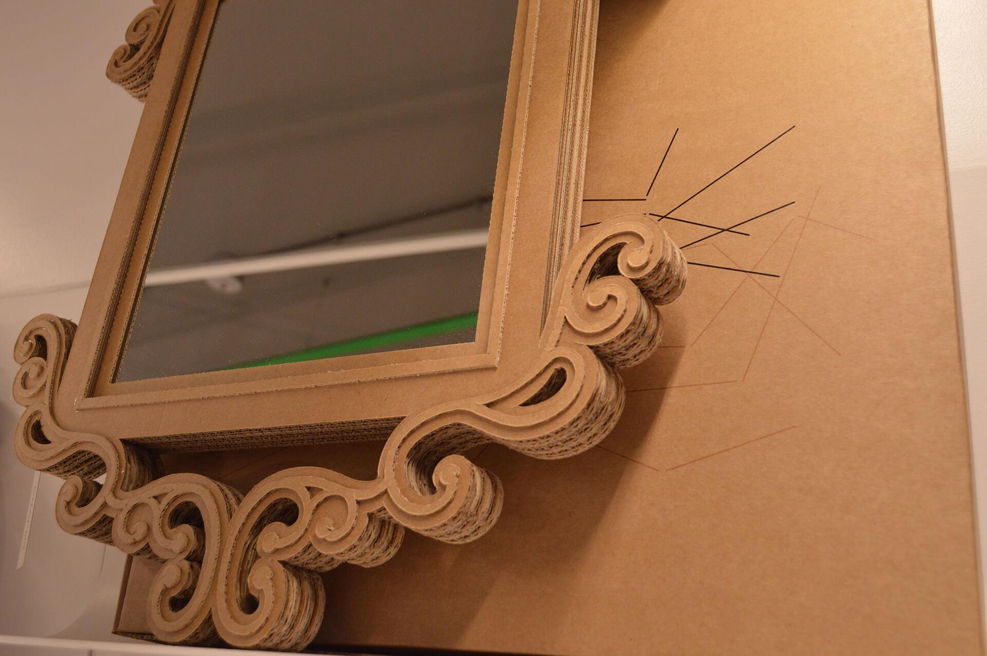 GRAFOX - Specchio con cornice in cartone